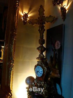 Pair of wall sconces Gilt Bronze, electrified Large Rams heads. Style Louis XV